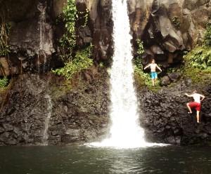 _Waterfall_hike_Upolu1